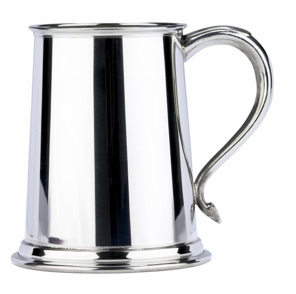 Engraved 1 Pint Plain Swan Handle Pewter Tankard